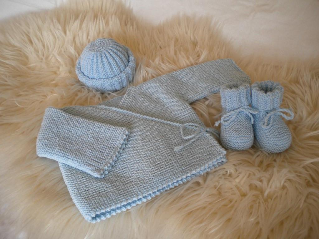 layette tricotée, trousseau de maternité et tenue de naissance laine ... ea150ffd42b
