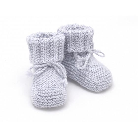 826c90c193969 Chaussons bébé tricotés main en 100% laine mérinos par mamie - Les ...
