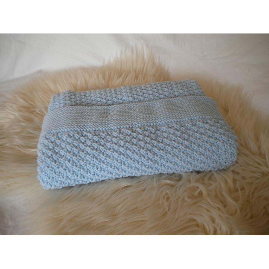 Couverture bébé laine bleu clair
