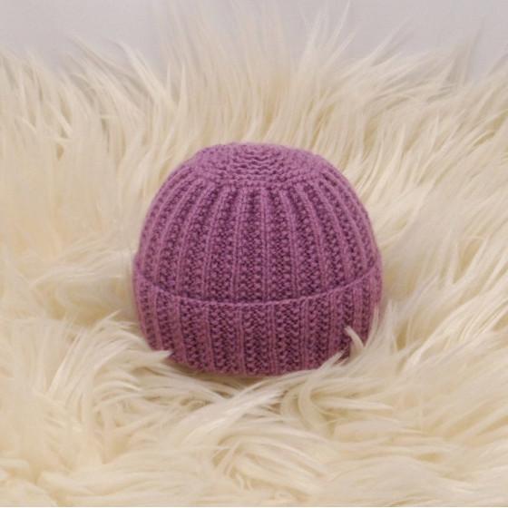 Bonnet rond bébé violine laine naturelle